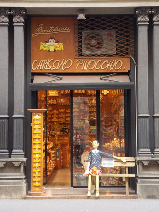 Souvenirs from Milan, Pinocchio